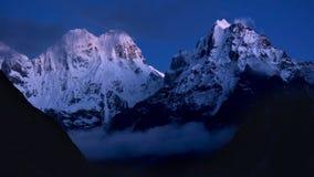 Schönes nightscape der Himalaja-Berge auf dem Kangchenju Lizenzfreie Stockfotografie