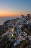 Schönes Oia-Dorf bei Santorini Griechenland, die Kykladen stockfotos