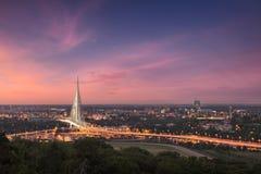 Schönes Panorama von Belgrad-Stadt an der Dämmerung Lizenzfreie Stockfotos