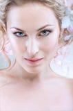 Schönes Porträt der jungen Braut Stockfotografie
