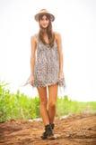 Schönes Porträt eines sorglosen glücklichen Mädchens Lizenzfreie Stockbilder