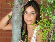 Schönes Portrait der jungen Frau lizenzfreie stockbilder
