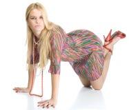 Schönes reizvolles blondy in den hohen roten Fersen Stockfoto