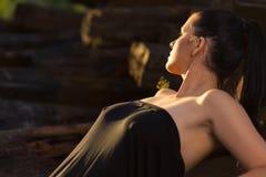 Schönes reizvolles Brunettemädchen Lizenzfreies Stockfoto