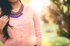 Schönes rosa Mode-Mädchen stockbilder