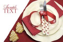Schönes rotes Thema festliches Weihnachtsspeisetischgedeck Lizenzfreie Stockfotos