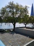 Schönes ruhiges London-Wassers lizenzfreie stockbilder