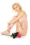 Schönes süßes blondes Mädchen im Kleid Lizenzfreies Stockbild