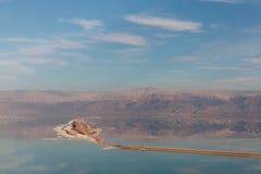 Schönes Salzufer des Toten Meers israel Ein Bokek lizenzfreies stockbild