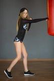 Schönes schlankes junges Mädchen Stockfotografie