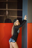 Schönes schlankes Mädchen stockfotos