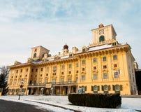 Schönes Schloss mit blauem Himmel Lizenzfreie Stockfotos