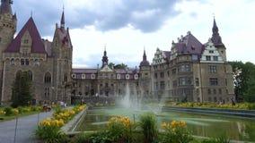 Schönes Schloss Moszna Zamek beim Polen stock video footage