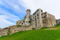 Schönes Schloss in Ogrodzieniec nahe Krakau im Frühjahr, Polen Lizenzfreie Stockfotografie