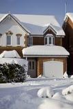 Schönes Schnee-Haus Stockbilder