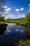 Schönes Schottland mit Fluss Stockbild