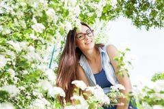 Schönes sinnliches frisches Frauen-Natur-Porträt lizenzfreie stockfotos