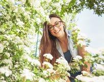 Schönes sinnliches frisches Frauen-Natur-Porträt lizenzfreies stockbild