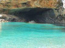 Schönes Smaragdmeer Stockfotos