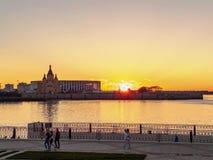 Schönes Sonnenuntergangzeitversehen stock footage