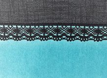 Schönes Türkisblau und -GRAU des weichen Lichtes schnüren sich Spitzen- Hintergrundbeschaffenheit der Streifennegativen auswirkun Stockbilder