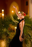 Schönes Tanzen der jungen Frau Stockfotos