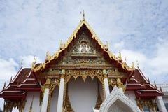 Schönes thailändisches dekoratives Architektur im traditionellen thailändischen Lizenzfreies Stockbild