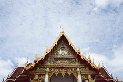 Schönes thailändisches dekoratives Architektur im traditionellen thailändischen Stockfotos