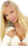 Schönes und reizvolles blondes Mädchen Lizenzfreie Stockbilder