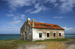 Schönes verlassenes Haus stockbilder