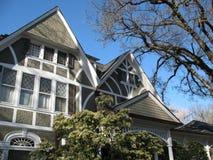 Schönes viktorianisches Haus stockfotos