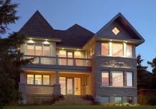 Schönes zeitgenössisches Haus Stockfotografie