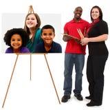 Schönes zwischen verschiedenen Rassen Familien-Portrait Stockfotografie