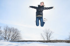 Schönheit auf dem blauen Himmel von Quebec-Winter Lizenzfreie Stockfotos