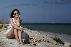Schönheit auf dem Strand Stockbilder