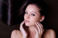 Schönheit des jungen schönen Mädchens stockfoto