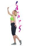 Schönheit, die Sportübung mit gymnastischem Band tut Stockbilder