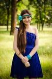 Schönheit im blauen Kleid Stockbild