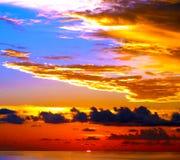 Schönheit im Himmel bei Sonnenuntergang in den Karibischen Meeren Stockfotografie