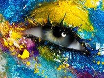 Schönheit, Kosmetik und Make-up Helles kreatives Make-up lizenzfreies stockbild