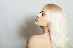Schönheit mit dem Überraschen von Hair.Blond SexyGirl Lizenzfreie Stockfotografie