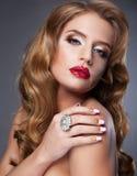 Schönheit mit den roten molligen Lippen Lizenzfreies Stockfoto
