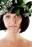Schönheit mit Grün-Blättern und Blumen Lizenzfreie Stockfotos