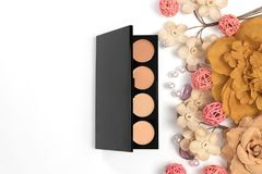 Schönheits-Blog, kosmetische Produkte, auf hellem Hintergrund Stockbild
