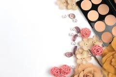 Schönheits-Blog, kosmetische Produkte, auf hellem Hintergrund Lizenzfreie Stockfotos