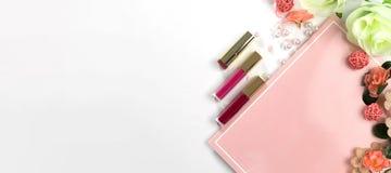 Schönheits-Blog, kosmetische Produkte, auf hellem Hintergrund Lizenzfreie Stockbilder