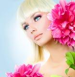 Schönheits-Blondinen-Mädchen lizenzfreie stockbilder