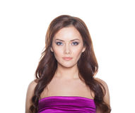 Schönheits-Frauenmodell Brunette Girl Portrait lokalisiert auf einem weißen Hintergrund. Stockfotos
