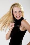 Schönheits-Holding-Brillen Lizenzfreie Stockfotos