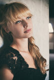 Schönheits-Mode-Modell Woman mit schönem bilden Stockfotografie